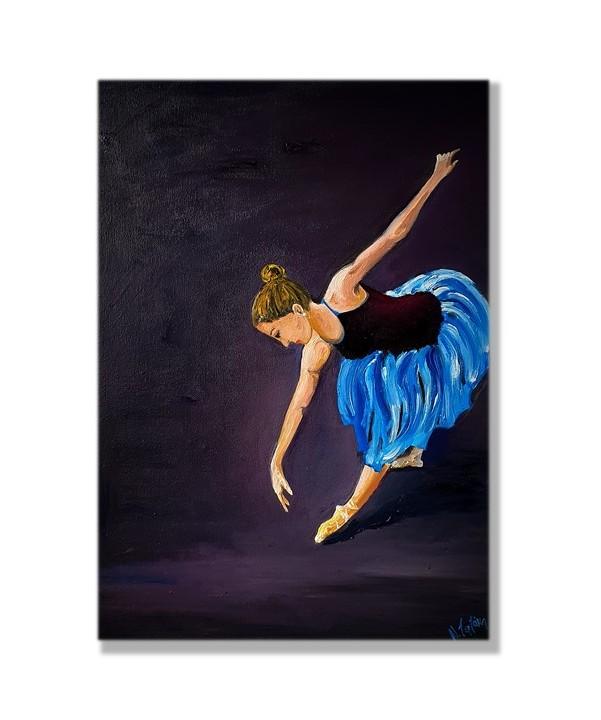 Ballerina_preparing for ballet